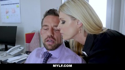 Boss Bitch Creampied by Employee
