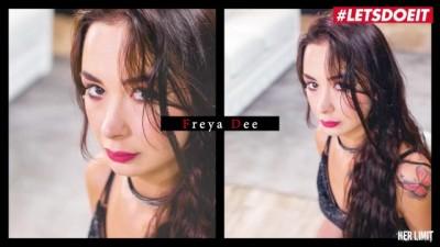 Freya Dee Stunning Slovakian Young first Anal Scene