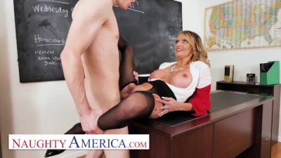 Linzee Ryder has a Crush on her Student