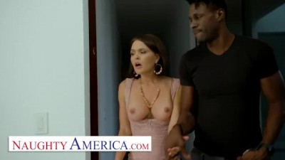 Krissy Lynn will do anything to Stop her Son's Bully