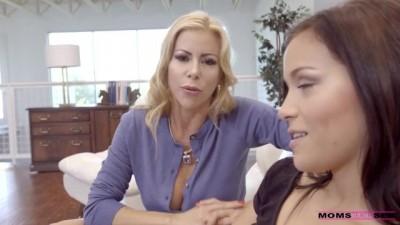 Alexis Fawx & Karter Foxx - Threesome Porn Videos - XXXlucah