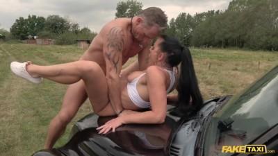 American Texas Patti in a Hardcore British Taxi Porn Video