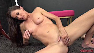 Naughty MILF Sofie Marie Pantystuffing Wet Pussy Fun