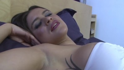 Alice Axx Gets her Pussy Fucked before getting Anal