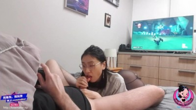 Chinese Young Giving Blow Job to SexFriend while Playing Mario Kart