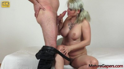 Pussy Gaping and Hard Banging of Horny Mature Sarah Star