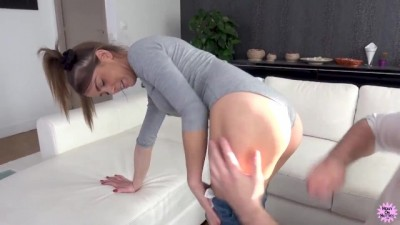 Big Sticky Facial for Blue Eyed Babe Camille