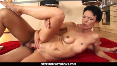 Kitchen Sex between a Skinny Stepmom and Stepson