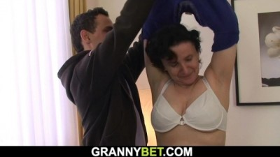 Picked up old Brunette Grandma Rides his Dick