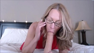 Sexy MILF Fucking her own Ass like there is no Tomorrow