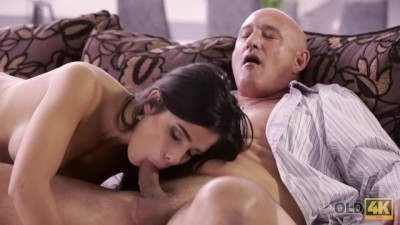 Horny Latina Chooses Experienced Men