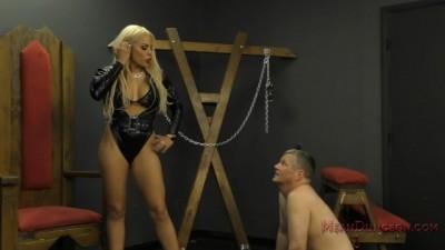 Luna Star - Luna Puts her Ass in her Slave's Face