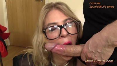 MILF Lipstick Blow Job Fun