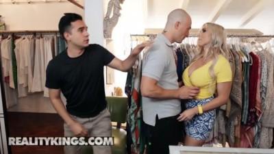 Curvy Big Tit Blonde Christie Stevens