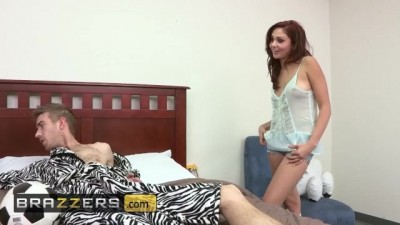 Ariana Marie cucks her bf