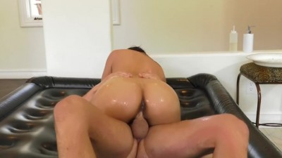 Lil Asain masseuse Cindy Starfall gives cock