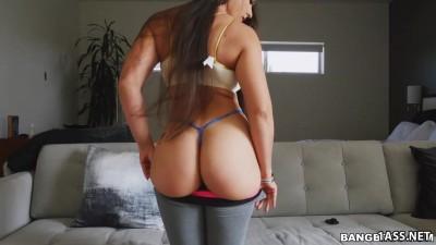 Big Ass Latina Marta La Croft Bounces On Doggy