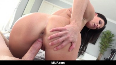 """India Summer Tests Out Her New """"Stepdad"""""""