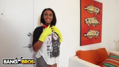 Ebony Maid Arianna Knight Has An Incredible Body