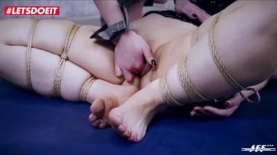 German Foot Puppet Needs Sexducation