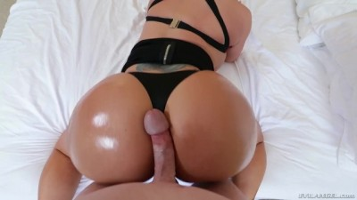 Milf eva takes it doggy and gets load
