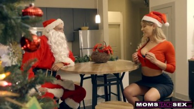 Santa's Horny Helpers In Christmas Threesome