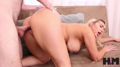 Hot MILF Nina Kay fucks out her frustrations on Riley!