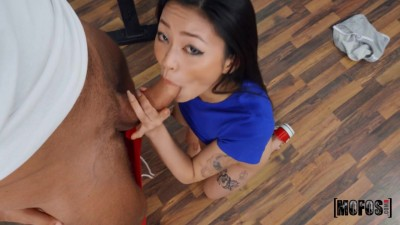 Tomm & Rae Lil Black in Tiny Rae Fucks Her Trainer