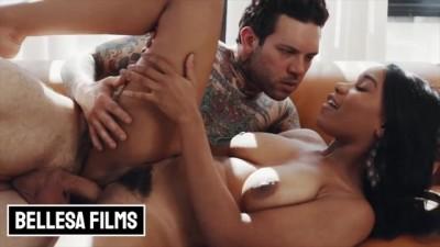 Big tit ebony Jenna Foxx fucks her inked BF