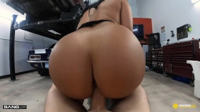 Thick Latina Stripper Fucks The Mechanic - Roadside