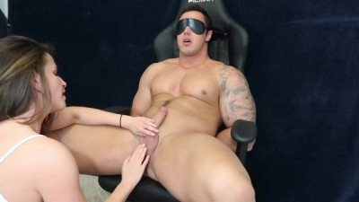 Jock tied up and sucked off by curvy goddess! - AflamSexNek