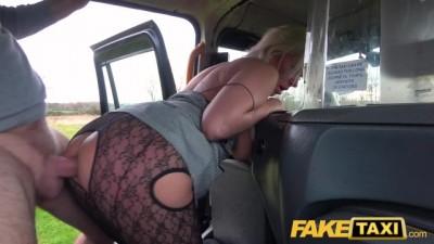 Blonde Babe Horny Tourist Masturbates and Fucks in Cab