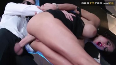 Big White Cock made her Squirt
