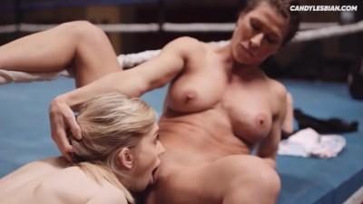 Lesbian Muscle Woman Fucks little Young