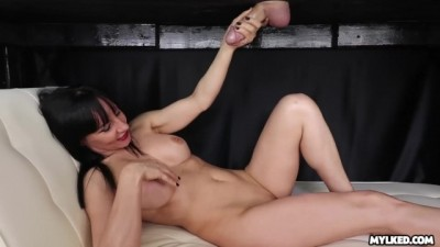 Watch her Reaction when he CUMS on her Face - MILF Cumshot