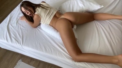 BIG BOOTY HUMPING PILLOW MAKES a LOUD ORGASM