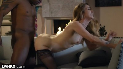 Karla Kush gives Twerking Lap Dance to Avoid going out
