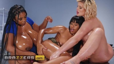 Crazy Hot Threesome with Jenna Foxx, Julie Cash & Maserati