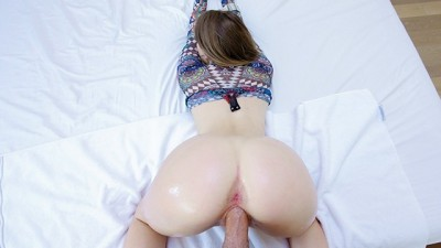 Small White Girl with Phat Ass Booty Gets Fucked