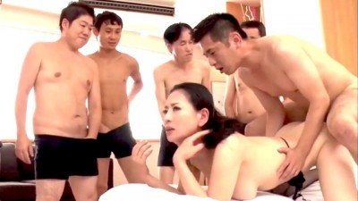 Uncensored Asian Babe has an Orgy