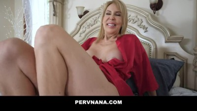HORNY COUGAR MILF SUCKS TEEN COCK