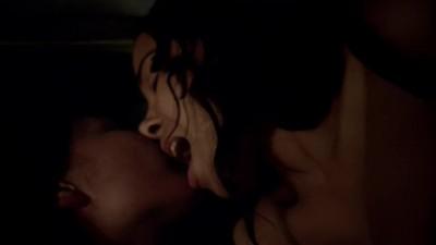 Lesbian Scene - Jessica Parker Kennedy & Clara Paget