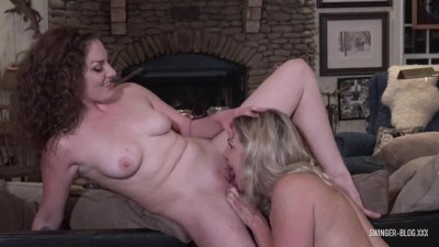 Amateur Wives Mandy and Nikki Masturbating and Licking