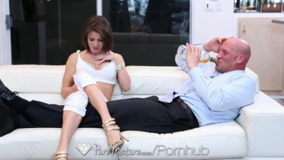 Hot Babe Jenni Lee Lee Fucks on the Couch
