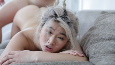 Cute Asian Young Gets Fucked by a Lucky Guy