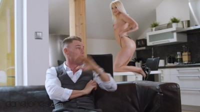 Sweet Young Marilyn Sugar Craves her Older Lovers Cock