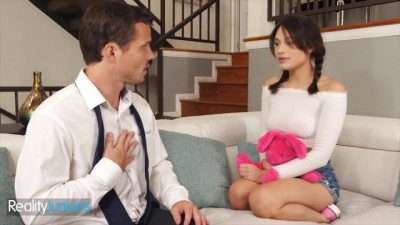 Babysitter Liv Wild makes Daddy Cheat on his