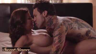 Sexy Redhead MILF Alexis Fawx Fucks Young Male Stud Small Hands