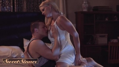 Natural Beauty Lisey Sweet Gets Wild on her Friend's Hard Dick