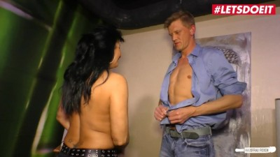 Mature German Wife wants Happy end with her Massage